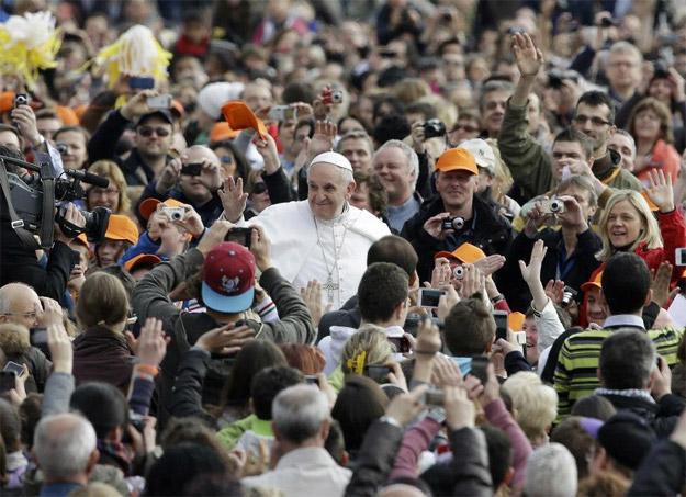 Pope Francis by Christus Vincit.